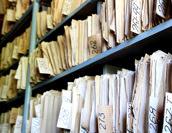 文書管理システムとECMの違いとは?共通の機能や重要性も解説!