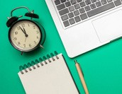 エクセル(Excel)で勤怠管理表を作るには?関数やマクロについて解説