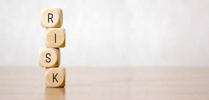 労務管理で注意すべきリスクとは?内容や回避方法についてご紹介!
