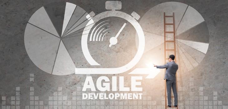 アジャイルで大規模開発はできる?具体的な方法論や成功事例を紹介!