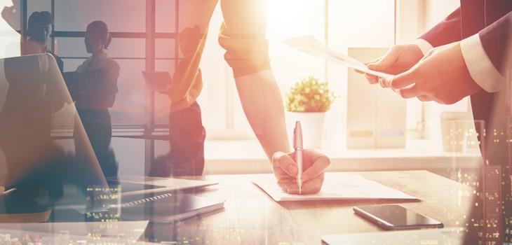 従業員の入社手続きに必要な準備とは?効率化する方法も解説
