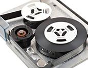 古くて新しい磁気テープ、まさかの復権?データバックアップ利用におけるメリットは?